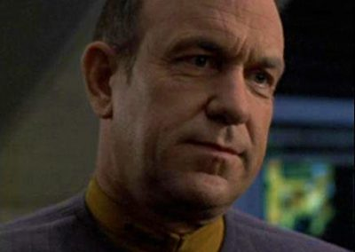 Richard-McGonagle-Commander-Pete-Harkins-Star-Trek-Raumschiff-Voyager-436x436px